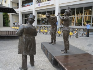 King George Square statues